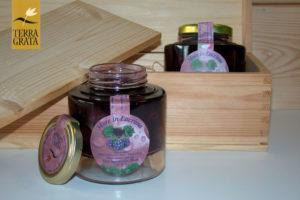 More in ammollo in Vino Lacrima di Morro d'Alba - Terra Grata - Molto più di frutta sotto spirito o frutta sciroppata