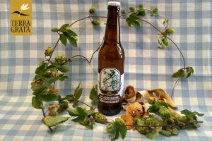 Birra artigianale La Contadina by Terra Grata, IPA, filiera agricola, birra agricola, COBI Consorzio Italiano dell'Orzo e della Birra, codice barre 8388766302388, bergamotto