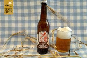 Birra Artigianale La Contadina Terra Grata, La Bionda, filiera corta agricola, birra agricola, Birra chiara, COBI , Consorzio Italiano dell'Orzo e della Birra, codice barre 8388766302371
